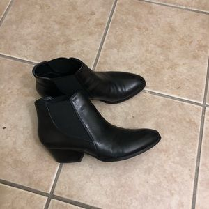 Ladies leather booties